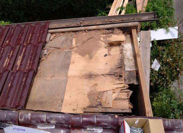 写真:瓦の下地腐食