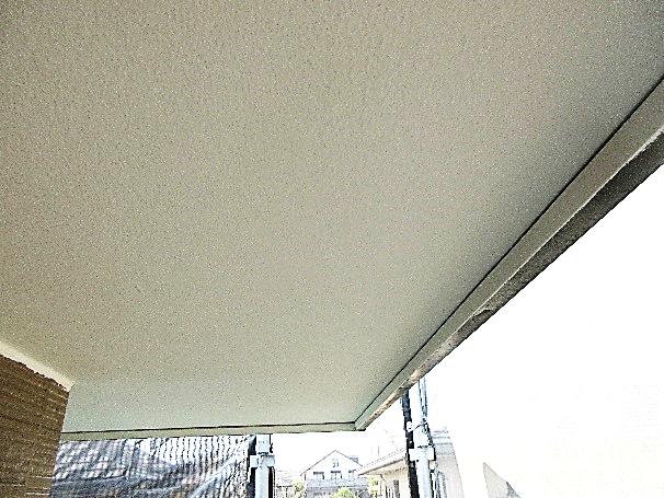 写真:軒裏上塗り