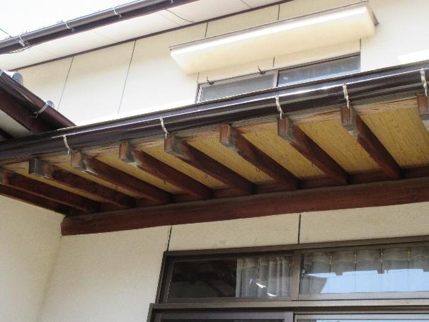 写真:雨樋塗装