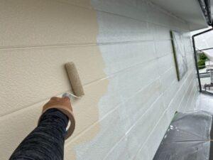 写真:2階壁の中塗り