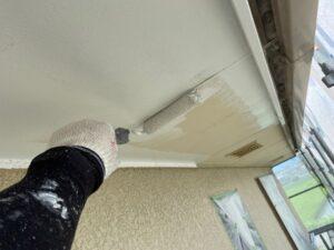 2階軒裏下塗り